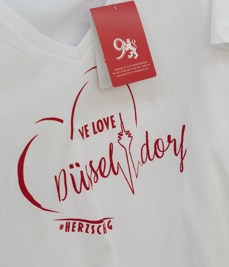 We love … TS white